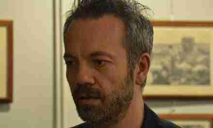 El poeta italià Bartolomeo Smaldone, membre de l'associació Etcètera, guardonat amb un dels premis més prestigiosos del seu país.