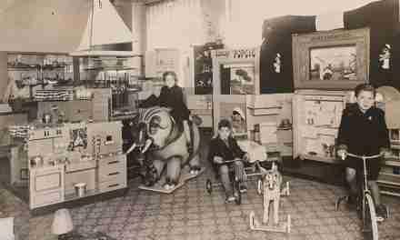 El Museu d'Història de Catalunya presenta més de 200 jocs i joguines de l'època franquista