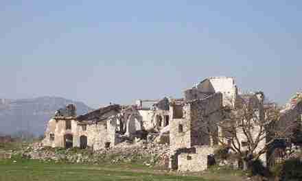 """Gener Aymamí: """"Darrera d'aquestes portes esventrades i parets mig enrunades dels pobles abandonats, abans hi havia caliu humà"""""""