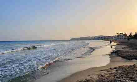 Catalunya té enguany 119 banderes blaves i entre elles la de la platja d'Altafulla