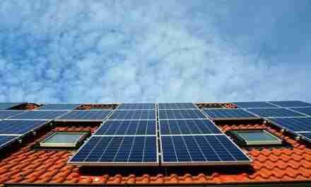 Instal·lar plaques fotovoltaiques comportarà un 50% de bonificació de l'IBI